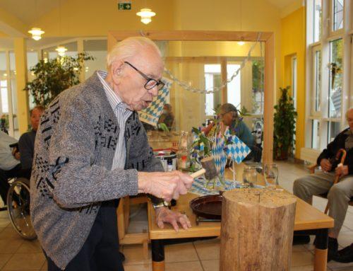 O´zapft is im H-v-B Senioren-Zentrum Trier.